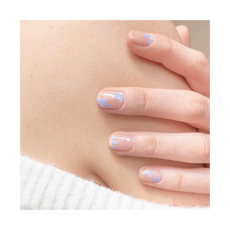 Manucure Lavande et Nude - MÊME Cosmetics
