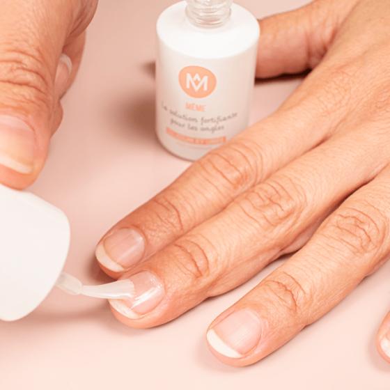 Solution Fortifiante Solution contre les ongles striés - MÊME Cosmetics