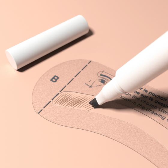 Maquillage à sourcils discret pour un résultat naturel - MÊME Cosmetics