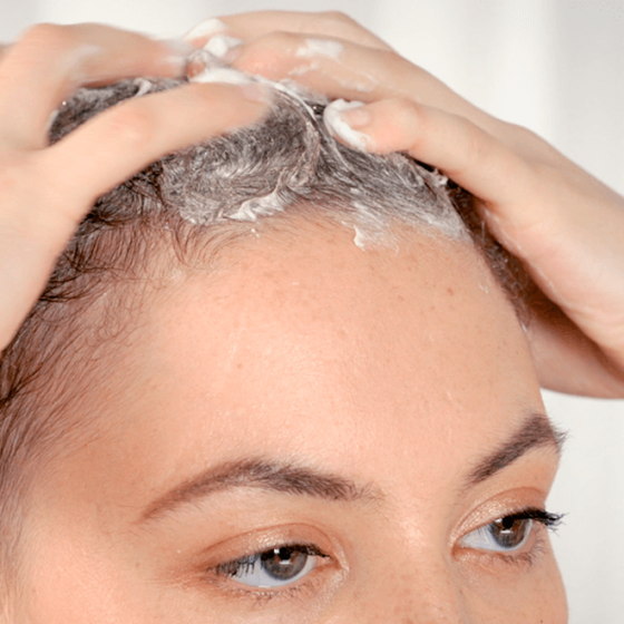 Soin lavant et fortifiant pour cheveux fins, fragiles, cassants et en repousse - MÊME Cosmetics