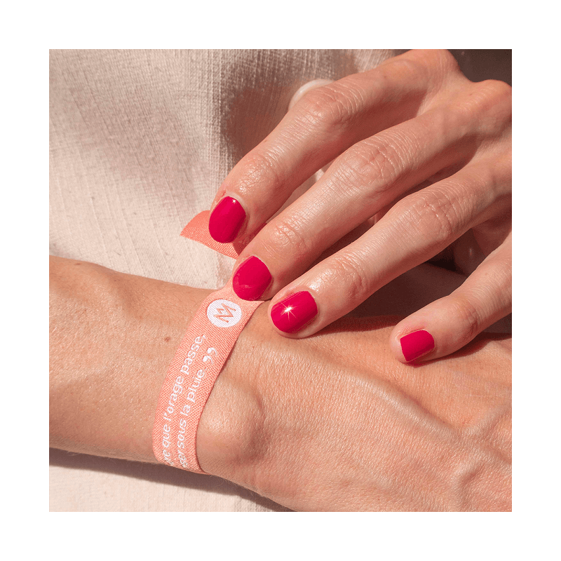 Le Vernis à ongles biosourcé framboise pour protéger les ongles des UV - MÊME Cosmetics