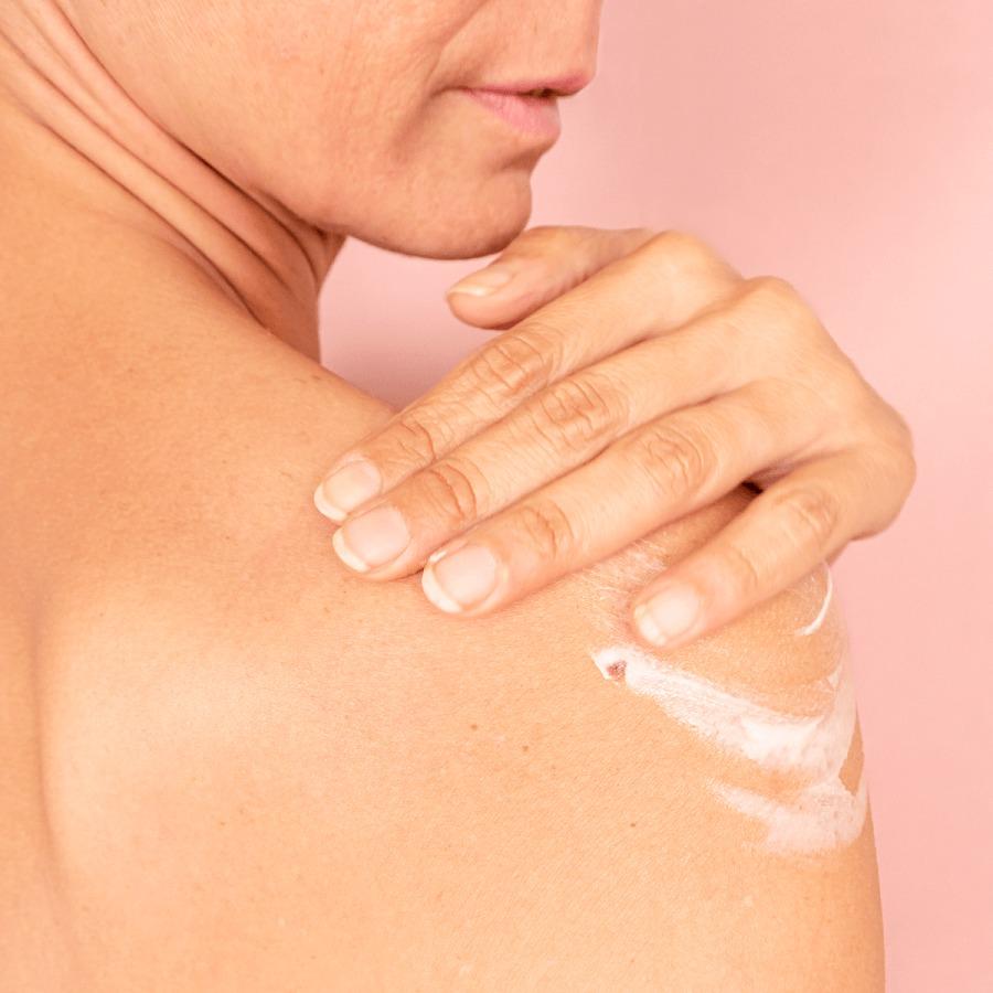 Creme corps peaux tres seches et abimes MEME Cosmetics