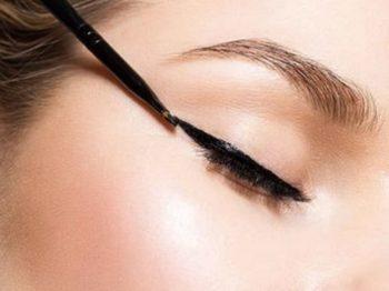 Cils et cancer : le trompe l'oeil de l'eye-liner!