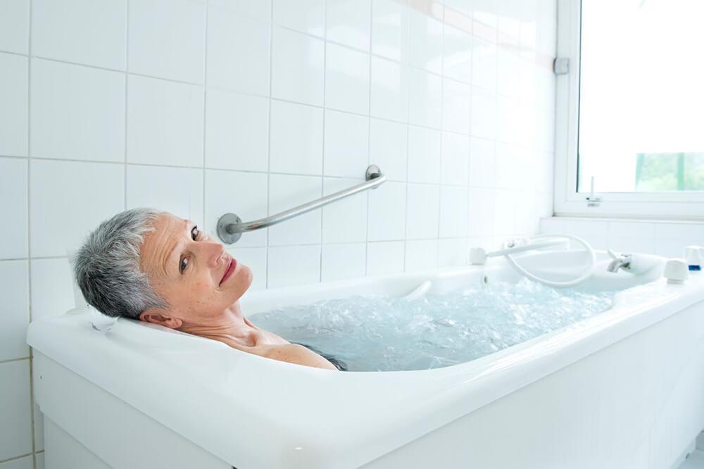 Bienfaits pour la peau du bain eau thermale Avène cure post cancer