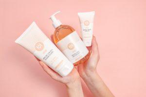 routine-hydratation-huile-lavante-crème-corps-visage-même-cosmetics