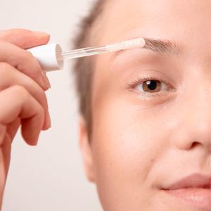Sérum revitalisant pour les cils et les sourcils