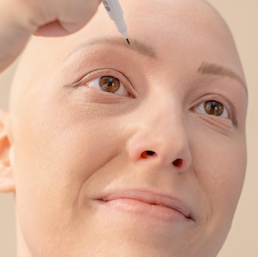 Eyelash and eyebrow regrowth - how to encourage it meme cosmetics